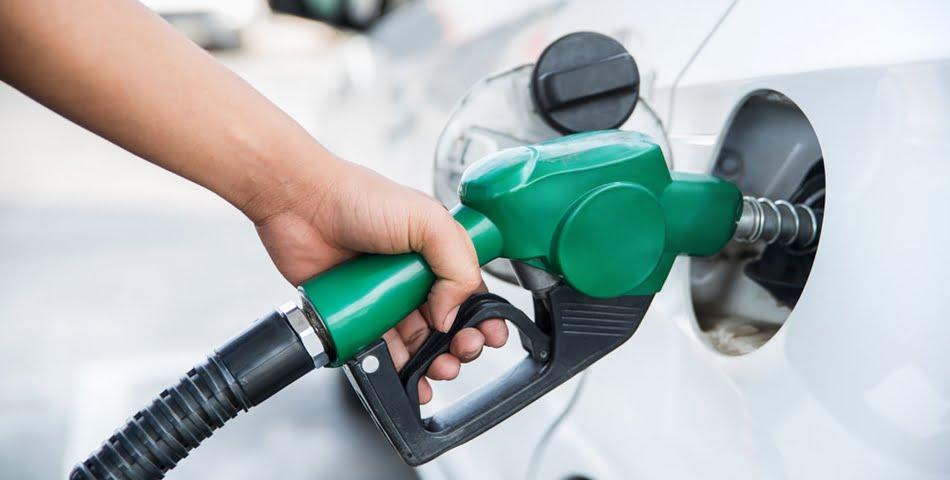 Benzina-la-14-lei-pe-litru-in-Romania
