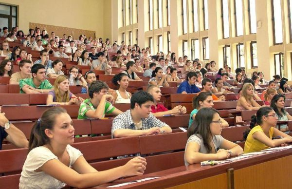 studenti-465x390