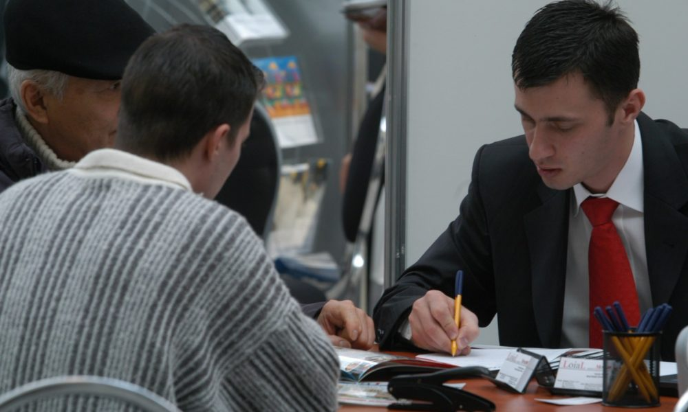 afaceri-credit-imobiliar-banca.nrme8k5hp0-2-1000x600