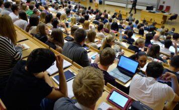 mediu studentesc